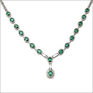 Elegant Oval Halo Diamond Necklace Supplier