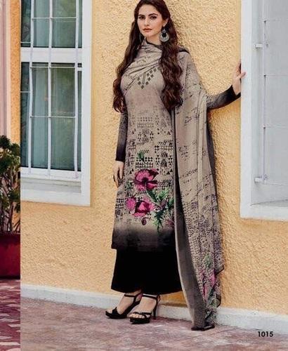 Pakistani Crepe Salwar Kameez