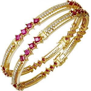 Solid gold bangle design for women