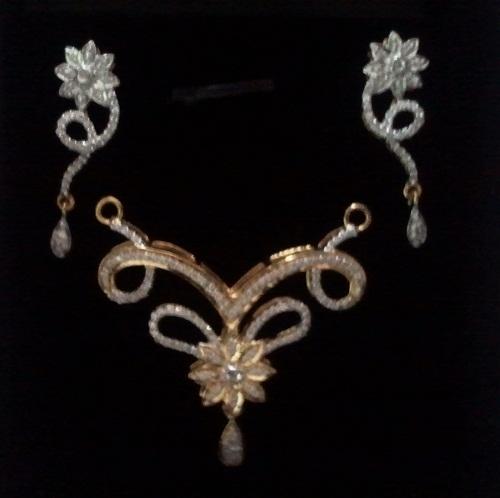 Diamond Pendant With Earring