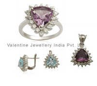 trillion shaped gemstone jewellery set wholesale from indian manufacturer