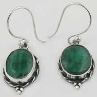 Vintage Dyed Emereld Gemstone Silver Earrings