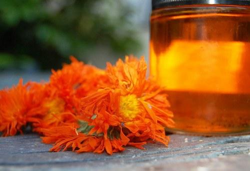 Calendula oil