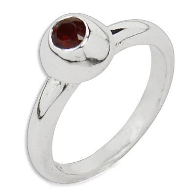 Valuable Garnet Gemstone Silver Ring