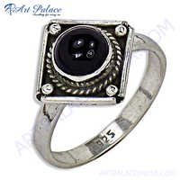 Stylish 925 Sterling Silver Ring With Black Onyx