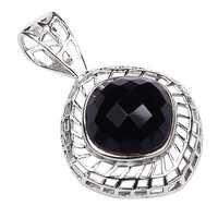 Luxurious Black Onyx Gesmtone Silver Pendant