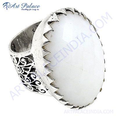 Fantastic fashionable White Oynx Gemstone Silver Ring