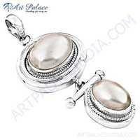 Lastest Luxury Pearl Silver Pendant