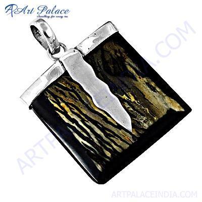 Gracious Fashionable Horn Gemstone Silver Pendant