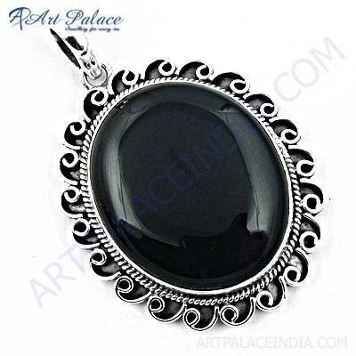 Traditional Black Onyx Gemstone Silver Pendant