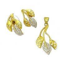 Traditional Cubic Zirconia Silver Gemstone Earings & Pendant Set