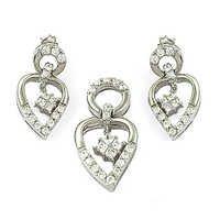 New Heart Shape Cubic Zirconia Silver Gemstone Earings & Pendant Set