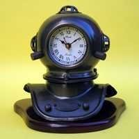 NAUTICAL IRON DIVERS HELMET CLOCK WITH WOODEN BASE  MARKS V  8