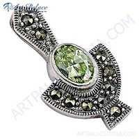 Traditional Peridot Gemstone Silver Pendant