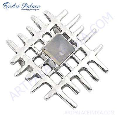 Fret Work Silver Pendant With Chalce