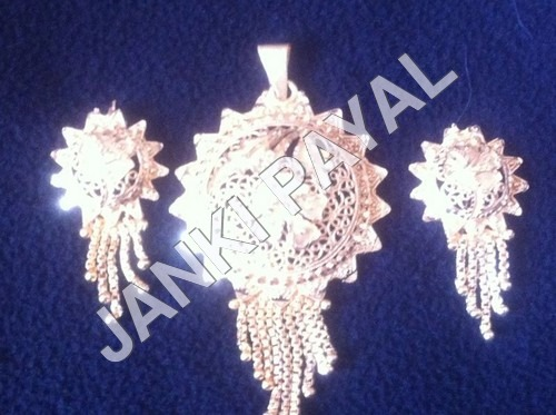 Three piece Imitation Pendant set