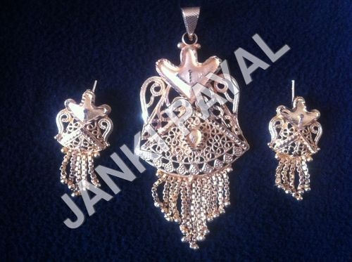 Imitation Jewellery Pendant Set