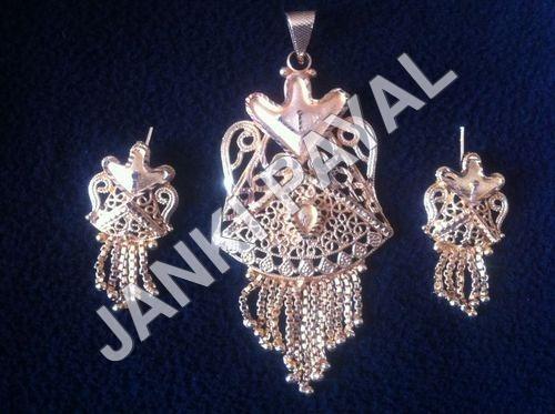 Imitation Jewellery Pendant Set