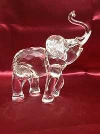 Glass Elephant Show piece.