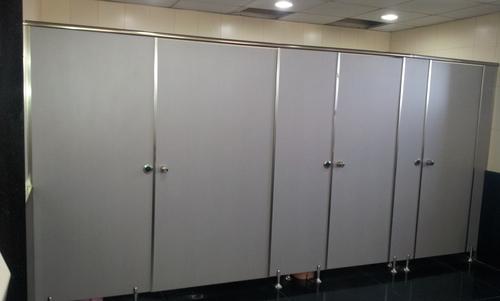 SS Leg Type Toilet Cubical