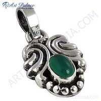 Fantastic Designer Green Onyx Gemstone Silver Pendant