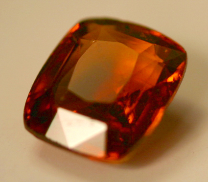 Stone in mandarian shade, loose natural shining darkest golden citrine stones