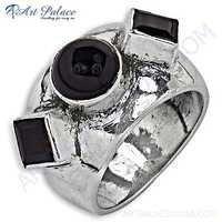Luxurious Garnet Gemstone Silver Ring