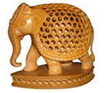 ELEPHANT UNDERCUT WITH BASE
