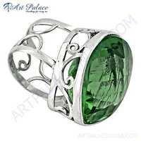 Charming Green Glass Gemstone Fret Designer Silver Ring