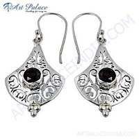 Fret Work Designar Gemstone Silver Earrings With Garnet