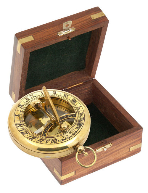 Sundail Compass with wooden box