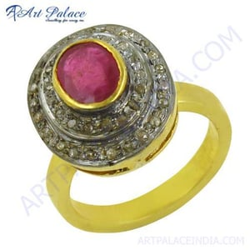 Graceful Diamond & Emerald Rings