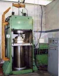 Bladder Curing Press