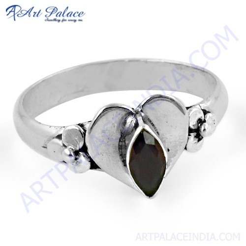 Romentic Heart Style Silver Ring With Garnet