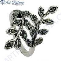 Latest 925 Sterling Silver Gun Metal Gemstone Ring In Leaf Style