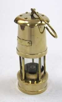 Solid brass Yacht oil lamp / Lantern with hook size: 7