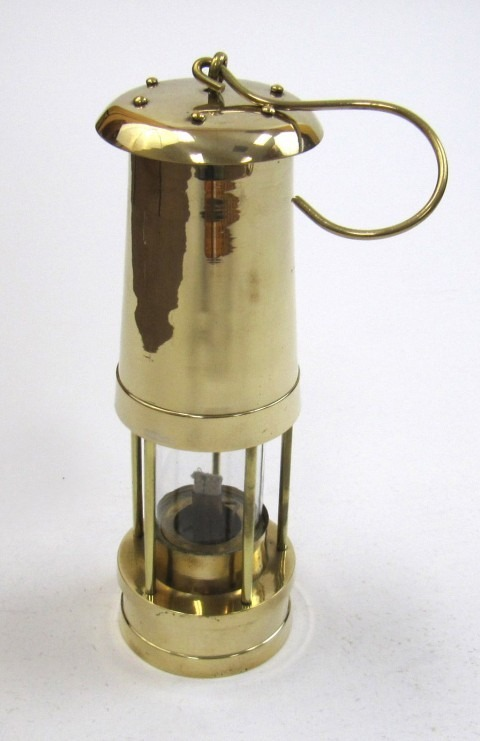 Solid brass Yacht oil lamp / Lantern with hook size: 10