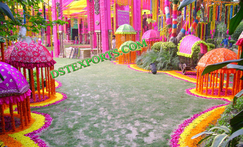 INDIAN WEDDING COLOURFULL UMBERALA STAGE