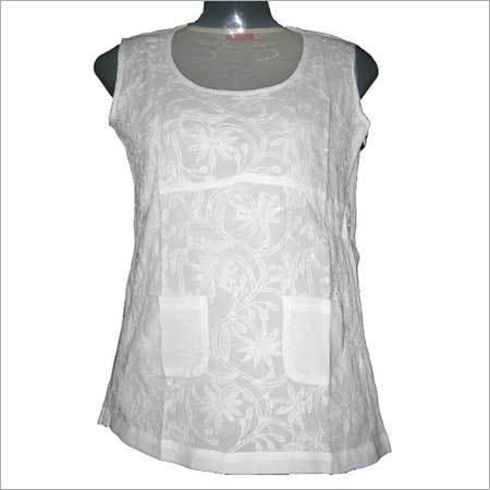 Sleeveless Embroidered Off White Kurta
