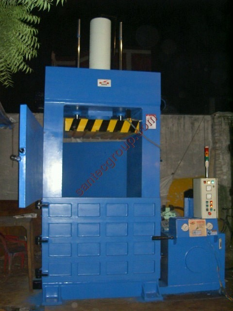Vertical Waste Balers