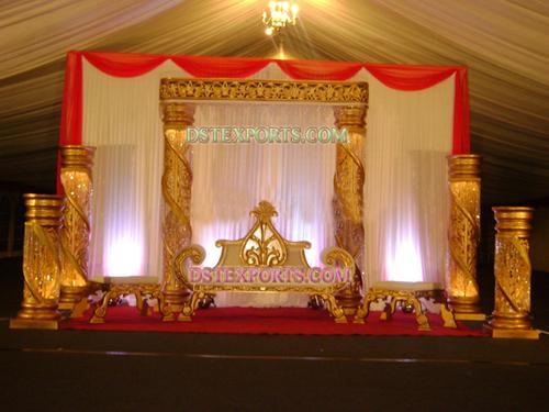 DESI WEDDING GOLDEN STAGE SET