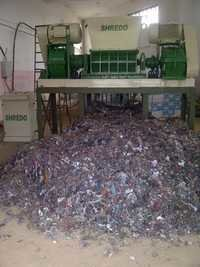 Solid waste shredder