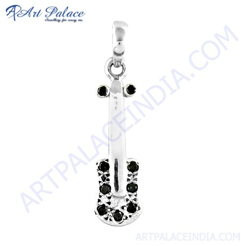 Gitar Style Gemstone Silver Pendant With Black Onyx