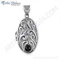 Vintage Designer Black Onyx Gemstone Silver Pendant