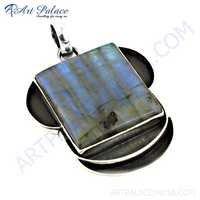 Top Quality Labradorite Gemstone Silver Pendant