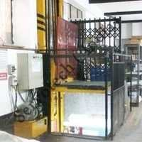 Goods loading Unloading Lift