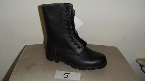 Army boots 9