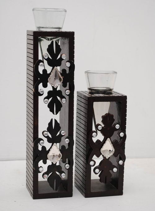 Wooden pair candle holder