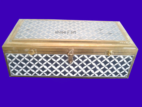 Jewelry Cases & Boxes