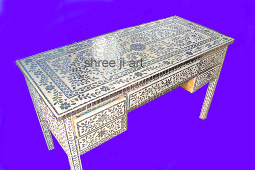Thikri Glass Drawer